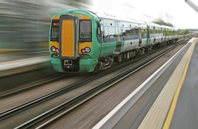 changer les mœurs par le train